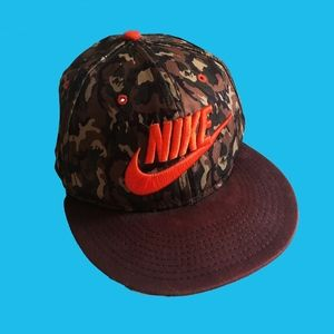 🔶 Mens Nike Snapback - Neon and green pattern 🔶